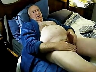 Horny daddy cum on bed man (gay) daddy (gay) masturbation (gay)