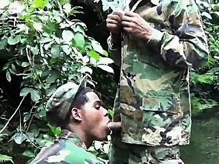 Military lads do mouth job in the water 3:30 2017-04-09